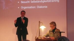 Gebärdendolmetsch und BM Schmied