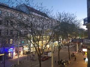 Mariahilferstraße vom Balkon der SFD