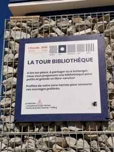 Bücherschrank am Genfer See